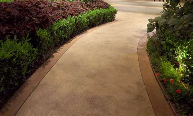 Integral Color Concrete Walkway