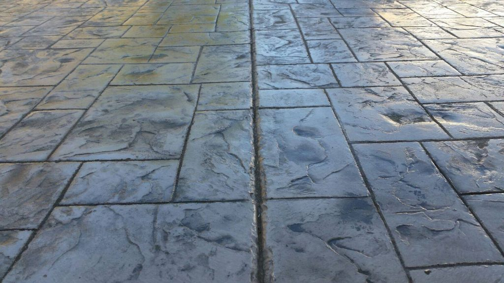 stamp-concrete-walkway-stone-look-patterns-driveway-concrete-stamping-india